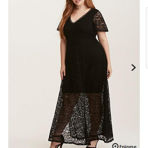 Plus size black floor-length lace dress